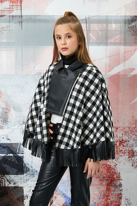 8/12 Years Girl Suit With Black Leather Trousers And Poncho