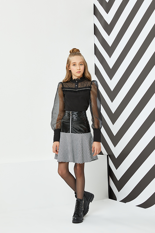 8/12 Years Girl Suit With Balloon Sleeved Black Blouse And Skirt